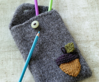 knit-felted-acorn-pencil-case