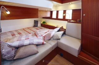 Sirius 40DS Owner's cabin located mid-ship. Photo by Sirius Werft.